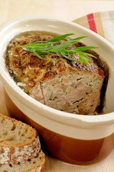 Poultry terrine with wild herbs - Sandrine Charrier - . Healthy Chicken Recipes, Veggie Recipes, Cooking Recipes, Health Dinner, Food Videos, Recipe Videos, Mousse, Food And Drink, Ethnic Recipes