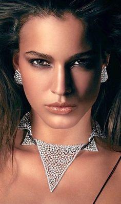 Rosendorff Indulgence Collection Brilliant Diamond 'Collar Style' Necklace featuring Black Diamonds and Matching Diamond Earrings Jewelry Trends, Jewelry Sets, Women Jewelry, Unique Jewelry, Western Jewelry, Diamond Jewelry, Diamond Earrings, Skull Jewelry, Hippie Jewelry
