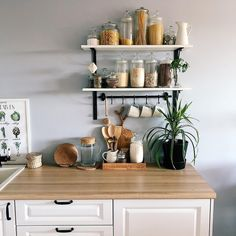 30 Stunning Kitchen Shelf Decor Ideas That You Will Like - Aside from mere places where you will put your containers in the kitchen, the decorative shelves can also help a lot in making this part of your house. Decor, Kitchen Inspirations, Kitchen Design Small, Scandinavian Kitchen, Kitchen Remodel, Kitchen Decor, Home Kitchens, Kitchen Shelf Decor, Small Kitchen Decor