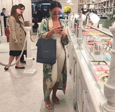 Casual sexy mall outfit for the spring! Classy Outfits, Chic Outfits, Fashion Outfits, Fashion Tips, Hijab Fashion, Fashion Killa, Look Fashion, Latest Fashion, 80s Fashion