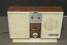 Westinghouse Solid State AM FM Radio