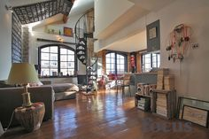 Converted east London warehouse with open spaces and spiral staircase - Photographic Location Hire