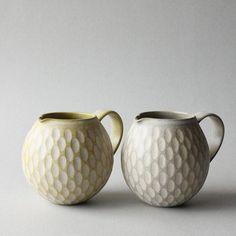 penguins  ・ #mayumiyamashita #mayumiyamashitaceramics #pottery #ceramics #japanesepotter #japanesepottery #ヤマシタマユ美 #陶芸 #うつわ #器 #クリーマー #ジャグ #creamer #jug