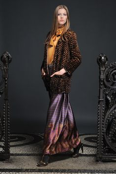 Alberta Ferretti Pre-Fall 2011 Collection Photos - Vogue