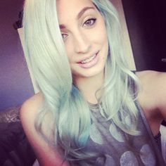 brittanybalyn:  Mint hair- tutorial up soon 😁