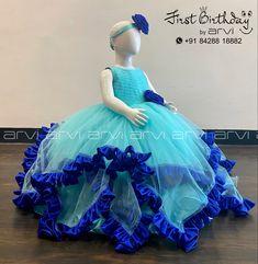 Balloons Photography, Cake Smash Photography, Baby Dress Design, Cake Baby, Kids Frocks, First Birthday Photos, One Year Old, Kids Corner, Birthday Dresses