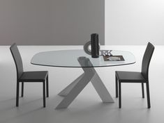 Moa Round Or Oval Contemporary Glass Dining Table by Compar
