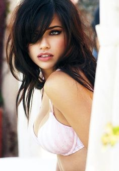 Model: Adriana Lima @Sara McMahan  LOVE LOVE LOOOVVEE both her hair and makeup!