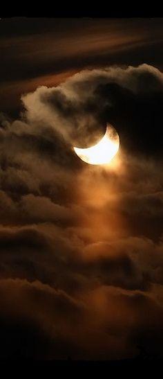 Anochecer con nubes  ¡Espectacular foto!