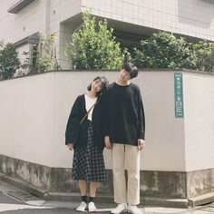 Creative Couple Fashion Photography Outfits Ideas to Make Best Photoshoot - Couple Pose - Korean Couple Fashion, Korean Couple Photoshoot, Photoshoot Idea, Photoshoot Fashion, Couple Photography Poses, Clothing Photography, Fashion Photography, Photography Outfits, Photography Tips