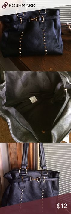 black shoulder bag brand new with tag /simple black shoulder bag none Bags Shoulder Bags