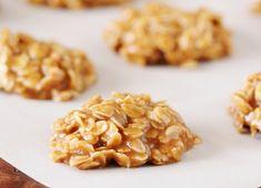 Voici une délicieuse recette de biscuits d'avoine à l'érable... C'est en plein la saison et c'est vraiment super facile à préparer :) Biscuit Vegan, Biscuit Recipe, Vegan Desserts, Dessert Recipes, Granola Cookies, Desserts With Biscuits, Dessert Biscuits, Galletas Cookies, Vegan Kitchen