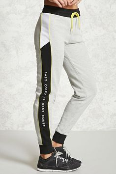 Fit meets fashion with Forever 21 women's activewear. Leggings sports bras workout shorts and so much more. Shop the hottest yoga & running gear! Jogger Pants, Joggers, Sweatpants, Sport Fashion, Mens Fashion, Sport Pants, Forever21, Sport Wear, Active Wear For Women
