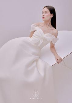 Korean Fashion Dress, Fashion Dresses, Prom Dresses, Wedding Dresses, Bride Dresses, One Shoulder Wedding Dress, Ball Gowns, Vintage Fashion, Wedding Inspiration