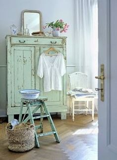 Shabby mint furniture