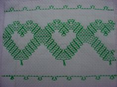 Resultado de imagem para vagonite Embroidery Stitches, Hand Embroidery, Huck Towels, Swedish Weaving Patterns, Swedish Embroidery, Monks Cloth, Chicken Scratch, Bargello, Tatting