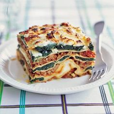 Ro­mi­ge Spi­na­zie­la­sag­ne recept Lasagne Recipes, Pasta Recipes, Kids Meals, Easy Meals, Risotto, Best Food Ever, Happy Foods, How To Cook Pasta, Easy Cooking