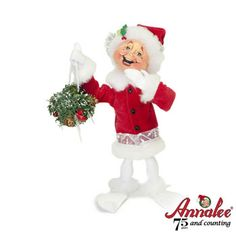 in love with Annalee elves. BEST Christmas tradition ever!