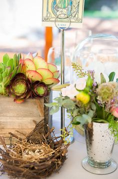 Going beyond the flowers, succulents and bird nests added a casual, down-to-earth vibe.  Source: Juliette Tinnus