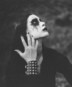 Black Metal makes me happy girl m/