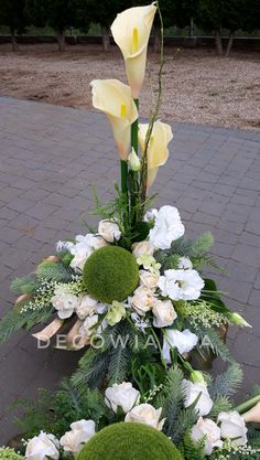 Funeral Flower Arrangements, Funeral Flowers, Floral Arrangements, Grave Decorations, Floral Printables, Chuppah, Fall Flowers, Ikebana, Creations