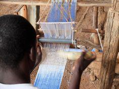 Weaving a Sirisiri strip.