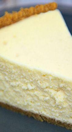 The Best Homemade Cheesecake ~ It is super light and fluffy. It truly is the BEST! The Best Homemade Cheesecake ~ It is super light and fluffy. It truly is the BEST! Yummy Treats, Sweet Treats, Yummy Food, No Bake Desserts, Just Desserts, Savoury Cake, Baking Recipes, Milk Recipes, Light Recipes