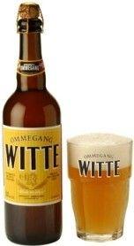 Cerveja Ommegang Witte, estilo Witbier, produzida por Ommegang Brewery, Estados Unidos. 5.1% ABV de álcool.