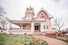 c. 1880 - Ligonier, IN - $280,000 - Old House Dreams