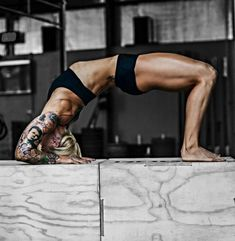 Get fit or go home! Parkour, Mma, Fit Men Bodies, Crossfit Inspiration, Daily Inspiration, Beautiful Athletes, Muscle Fitness, Female Fitness, Athletic Women