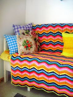Crochet colorful zig-zag blanket