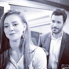 Peach Wallpaper, Favorite Tv Shows, My Favorite Things, Elcin Sangu, Beautiful Redhead, Turkish Actors, Love Couple, Barista, Cute Couples