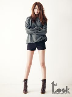 Casual sweater and boots | SNSD's Sooyoung