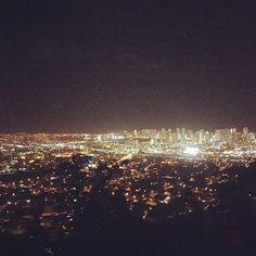 Instagram【mimi_hi808】さんの写真をピンしています。 《✨✨✨ タンタラスはいつも綺麗で癒される(._.)♡ * * #tantalus #tantaluslookout #hawaii #honolulu #nightview #タンタラス #ホノルル #夜景 #写真じゃ伝わらないやつ》