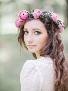 Ranunculus floral crown: http://www.stylemepretty.com/oregon-weddings/portland/2015/05/29/bohemian-portland-wedding-inspiration/ | Photography: A Visual Anthology - http://www.avisualanthology.com/