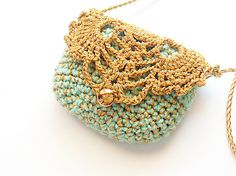 Vallistic petite pochette crocheted in gold and mint