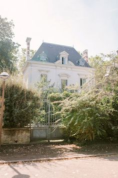 There are few things finer than French architecture. Exterior french country homes are a perfect marriage of traditional values and innovation. French Cottage, French Country House, Exterior Design, Interior And Exterior, French Exterior, Beautiful Homes, Beautiful Places, French Architecture, French Countryside