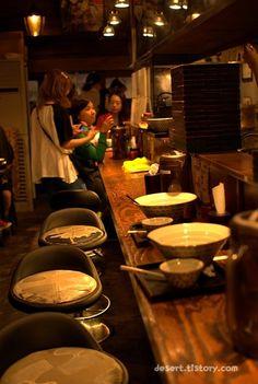 진한 일본 라멘, 홍대 라멘집 멘야산다이메 [弘益大學 近所 方便面] [seoul Hongik Uv. ramen (Japanese noodles)] [日本式ラーメン 東京とうきょう 麵屋三代目] (홍대 맛집, 홍대 라멘, 서교동 맛집)  친구와 함께 홍대에서 라멘을 먹었습니다. 하카다분코와 나고미라멘에 자주가다가 오늘은 멘야산다이메에 갔습니다. 좀더 일본식의 느낌이 더 나는 곳이고, 진한 맛이 좋은 홍대의 맛집 라멘집입니다. 이름은 멘야산다이메라고..