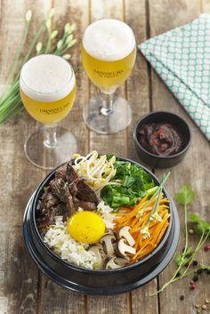 La bowl food c'est La tendance actuelle. On entend partout parler de Buddha bowl, de Smoothie bowl, de Breakfast bowl ou encore de Poke bowl. L'avantage de la bowl food, c'est que chacun compose son bol complet avec des légumes, de la viande ou du poisson et des féculents selon ses envies. C'est sain, équilibré,... Bol Buddha, Buddha Bowl, Le Chou Kale, Poke Bowl, Ramen, Ethnic Recipes, 20 Minutes, Food, Bowls