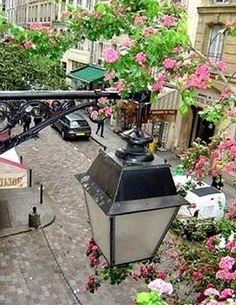 View from our vacation rental studio on rue de la Harpe 75005 Paris with short-rent-paris-flat.com