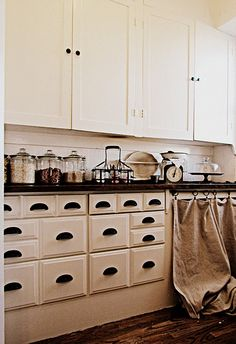 cabinet color and hardware like mine