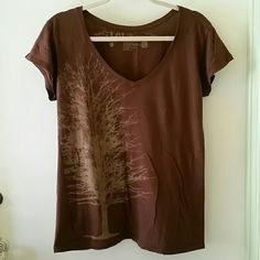 """SALE Tree T-shirt Aprox 28"""" long. Vintage wash. The irregularities & variations of shading & texture are characteristic of this fabric, adding to its natural beauty, and are in no way to be considered defective. Good condition, minimal pilling. Has been in storage & should be washed before wearing. Tops Tees - Short Sleeve"""