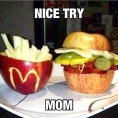 21 Pictures That Prove That Moms Know Everything Mom jokes // funny pictures – funny photos – funny images – funny pics – funny quotes – Funny Friday Memes, Funny Mom Quotes, Its Friday Quotes, Friday Humor, Crazy Funny Memes, Really Funny Memes, Funny Relatable Memes, Funny Jokes, Memes Humor