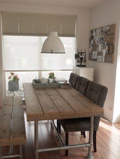 Steigerhouten prikbord en mooie hanglamp!