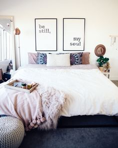 Girl Room Decor Ideas - How do I make my room unique? Girl Room Decor Ideas - How can I decorate my bedroom with paper? Dream Rooms, Dream Bedroom, Home Bedroom, Bedroom Ideas, Fall Bedroom, Guy Bedroom, My New Room, My Room, Dorm Room