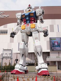 Live Size Gundam RX-78-2 in japan