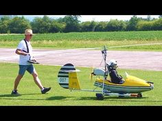 Ernst Keplinger flies his homemade 007 gyrocopter at the Rosenthal Airmeet 2019 Model data: Scale: Lenght: m Height: m Rotor: m Pr. Bond Cars, Rc Cars, James Bond, Rc Model Aircraft, Custom Street Bikes, Big Boyz, Rc Radio, Radio Control, Science And Technology