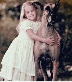 Elvis And Priscilla, Priscilla Presley, Lisa Marie Presley, Elvis Presley Memories, Elvis Presley Music, Burning Love, Family Photo Album, Happy Together, Star Tattoos
