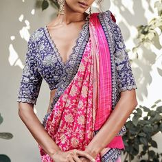 Cotton Saree Blouse Designs, Kurti Neck Designs, Sari Blouse, Dress Designs, Indian Silk Sarees, Indian Beauty Saree, Saree With Belt, Purple Saree, Simple Sarees