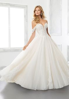 Ball gown wedding dress in organza over sparkle organza with sweetheart neckline and detachable, off-the-shoulder sleeves. Belle Wedding Dresses, Wedding Dresses Photos, Wedding Dress Styles, Designer Wedding Dresses, Wedding Gowns, Wedding Attire, Wedding Pictures, Wedding Bride, Lace Wedding